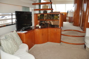 65' Fairline Squadron 1995 Salon Looking Forward