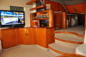 65' Fairline Squadron 1995 Salon Entertainment Center