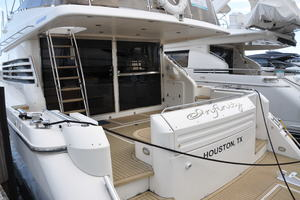65' Fairline Squadron 1995 Aft Deck