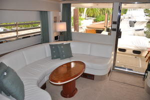 65' Fairline Squadron 1995 Salon Looking Aft to Starboard