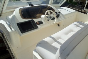 65' Fairline Squadron 1995 Helm