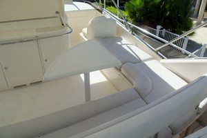 65' Fairline Squadron 1995 Flybridge Seating
