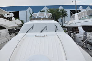 65' Fairline Squadron 1995 Foredeck