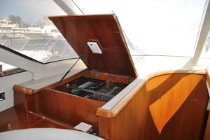 65' Fairline Squadron 1995 Extra Pantry Storage