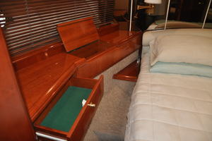 65' Fairline Squadron 1995 VIP Storage