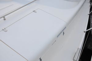 65' Fairline Squadron 1995 Bow Storage