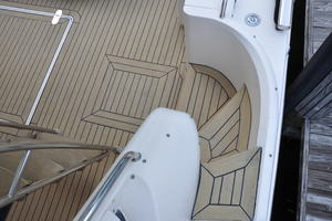 65' Fairline Squadron 1995 Side Deck Steps