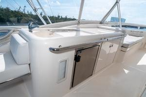 58' Riviera 58 Flybridge 2007 Wet Bar to Port