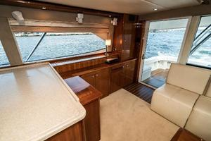 58' Riviera 58 Flybridge 2007 Salon Stbd