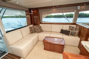 58' Riviera 58 Flybridge 2007 Salon Port