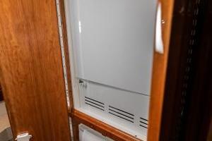 63' Riviera 58 Flybridge 2007 Washer/Dryer