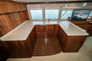 58' Riviera 58 Flybridge 2007 Galley