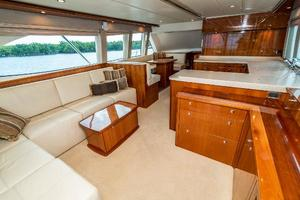 58' Riviera 58 Flybridge 2007 Salon 1