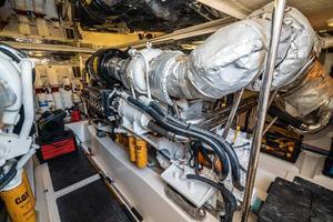 63' Riviera 58 Flybridge 2007 Stbd Engine 2