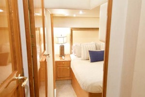 57' Ocean Yachts 57 Ss 2006 Master Stateroom Entrance