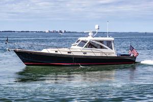 40' Hinckley Little Harbor WhisperJet 2003 This 2003 40' Hinckley Little Harbor WhisperJet for sale - SYS Yacht Sales