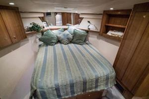 45' Viking Express 2005 Master Queen Berth