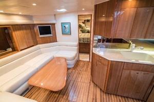 45' Viking Express 2005 Salon