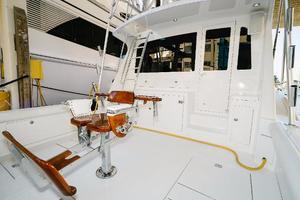 47' Cabo 47 Flybridge 2002 Cockpit