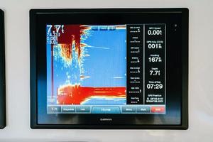 47' Cabo 47 Flybridge 2002 Garmin GPSmap 8000 Depth