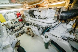 47' Cabo 47 Flybridge 2002 Stbd Engine