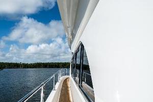 55' Monte Fino 55 2000 Wide Side Decks