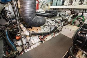 55' Monte Fino 55 2000 Port Engine