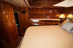 55' Monte Fino 55 2000 VIP Stateroom POrt