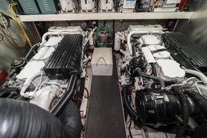 55' Monte Fino 55 2000 Engine Room