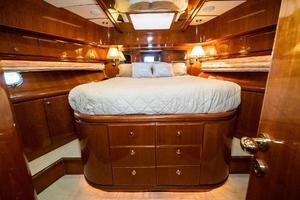 55' Monte Fino 55 2000 VIP Stateroom Fwd