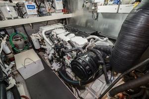 55' Monte Fino 55 2000 Stbd Engine