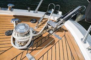 55' Monte Fino 55 2000 Windlass