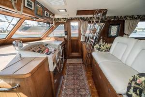 54' Hatteras 54 Motor Yacht 1988 Helm Stbd