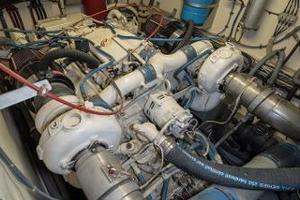 54' Hatteras 54 Motor Yacht 1988 Stbd Engine 2