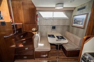 54' Hatteras 54 Motor Yacht 1988 Dinnette to Port