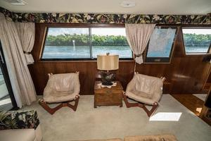 54' Hatteras 54 Motor Yacht 1988 Salon Port