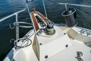 54' Hatteras 54 Motor Yacht 1988 Windlass and Pulpit