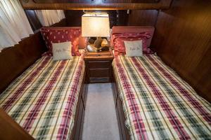 54' Hatteras 54 Motor Yacht 1988 Guest Stateroom 2