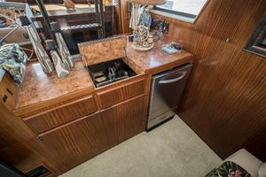 54' Hatteras 54 Motor Yacht 1988 Wet Bar