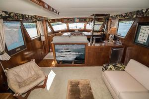 54' Hatteras 54 Motor Yacht 1988 Salon Forward