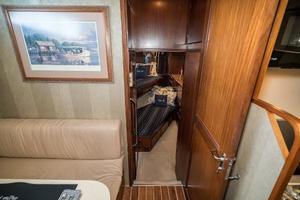 54' Hatteras 54 Motor Yacht 1988 3rd Stateroom Forward