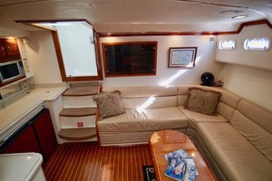 45' Cabo 45 Open Express 1998 Salon Aft