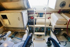 45' Cabo 45 Open Express 1998 Engine room Entrance