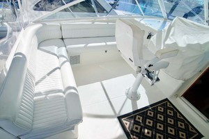 45' Cabo 45 Open Express 1998 Helm Area