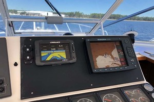 45' Cabo 45 Open Express 1998 Helm Electronics
