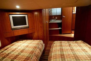 photo of Tiara-4300-Sovran-2007-Lisa-Anne-Perdido-Key-Florida-United-States-Guest-Stateroom-Aft-1103614