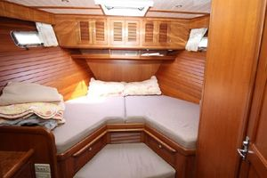 47' Selene Pilothouse 2001 Guest Stateroom