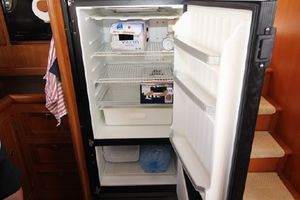 47' Selene Pilothouse 2001 Refrigerator