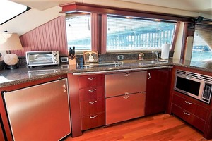 58' Sea Ray 58 Sedan Bridge 2006 Galley