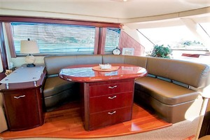 58' Sea Ray 58 Sedan Bridge 2006 Dinette